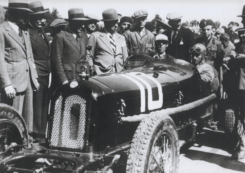WHEN SHOOTS NUVOLARI